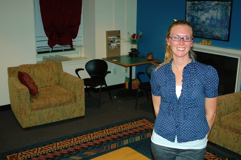 Peer Listening co-director Roshelle Kades poses in the Safe Space, where students can talk to peer listeners. (Photo: Annie Cutchen).