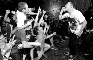 Touché Amoré Performing live (Photo: Google Images)